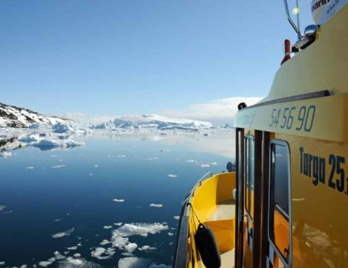 sea-fishing-private-tour-ilulissat-disko-bay - Guide to Greenland4