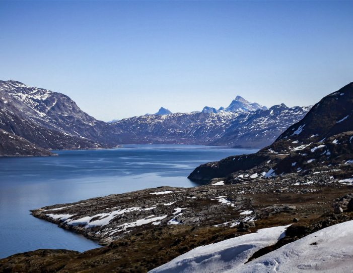 short-hiking-tour-in-nuuk-backcountry-of-nuuk - Guide to Greenland4