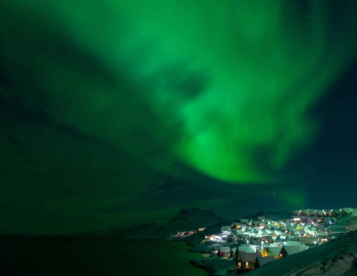 shuttle-service-nuuk - Guide to Greenland6