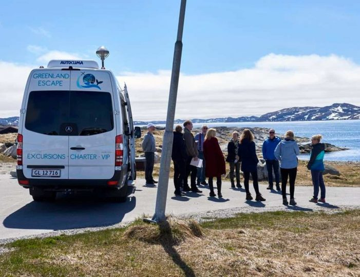 shuttle-service-nuuk - Guide to Greenland7
