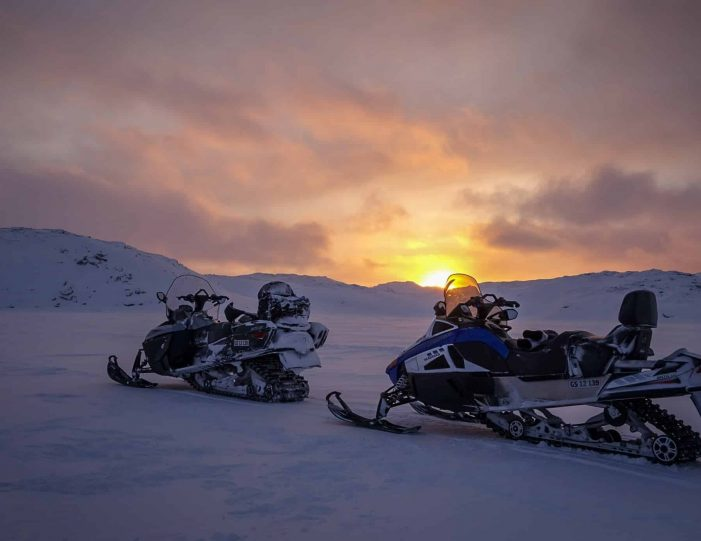 snowmobile-adventure-uummannaq-north-greenland - Guide to Greenland3