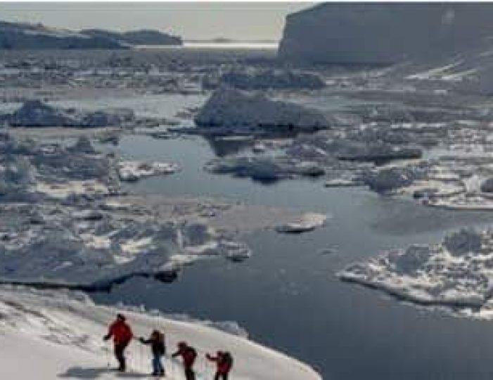 snowshoe-hiking-ilulissat-disko-bay - Guide to Greenland6