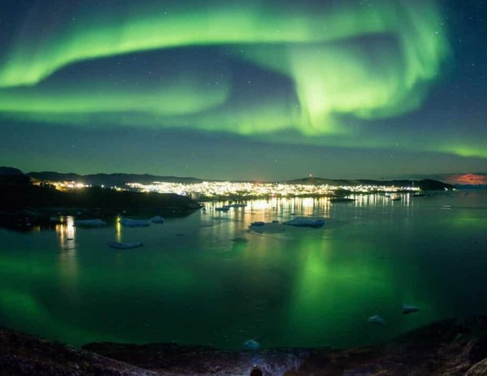 snowshoe-in-the-northern-night-ilulissat-disko-bay - Guide to Greenland4