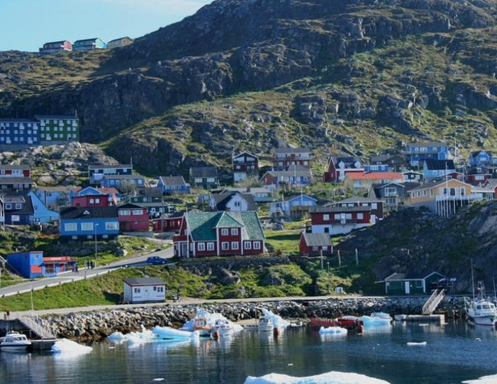 south-west-greenland-8-day-vacation-package-from-iceland-to-greenland-Guide to Greenland39