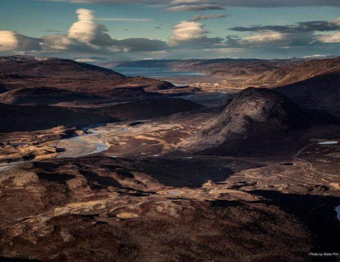 sugarloaf-mountain-hike-kangerlussuaq - Guide to Greenland7