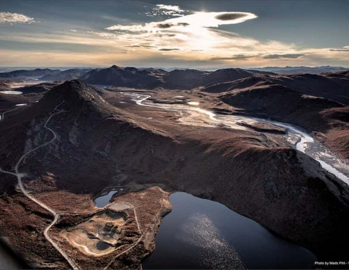 sugarloaf-mountain-hike-kangerlussuaq - Guide to Greenland9