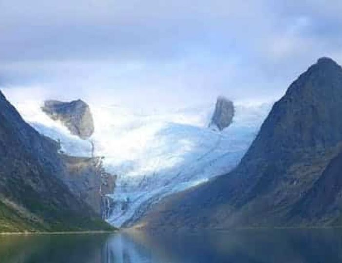 tasermiut-fjord-kayaking-south-greenland-Guide to Greenland.jpg19