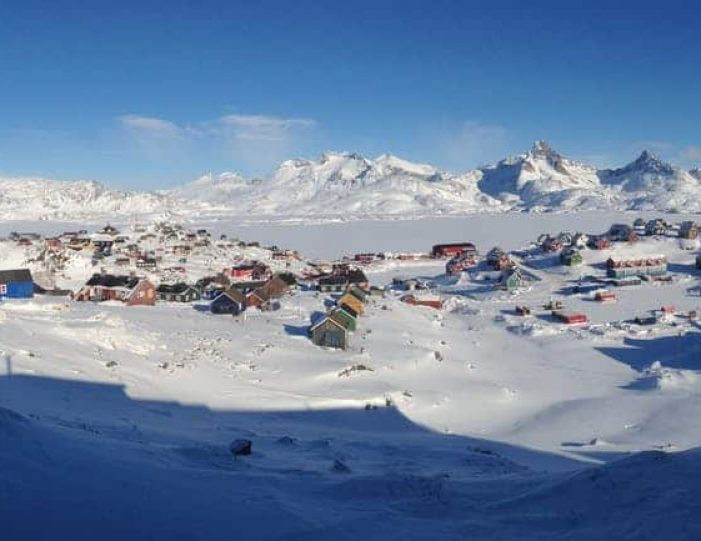 tasiilaq-winter-world-8-days-east-greenland-Guide to Greenland14