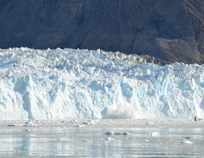 the-calving-glacier-eqi-paakitsoq-ilulissat-disko-bay-Guide to Greenland1