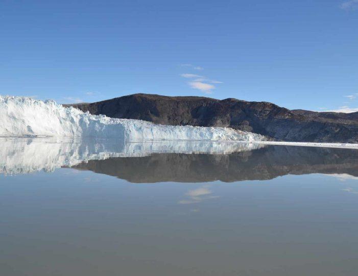 the-calving-glacier-eqi-paakitsoq-ilulissat-disko-bay-Guide to Greenland6