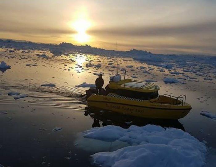 the-calving-glacier-eqi-private-tour-ilulissat-disko-bay - Guide to Greenland7