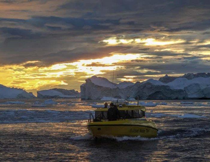 the-calving-glacier-eqi-private-tour-ilulissat-disko-bay - Guide to Greenland8