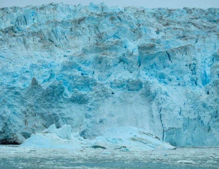 the-calving-glacier-eqi-private-tour-ilulissat-disko-bay - Guide to Greenland9