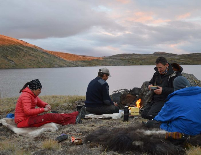 traditional-hunting-camping-kangerlussuaq-west-greenland - Guide to Greenland4