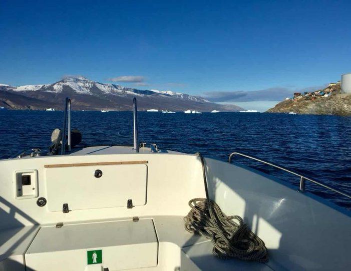 transport-to-qaarsut-uummannaq-north-greenland-Guide to Greenland1
