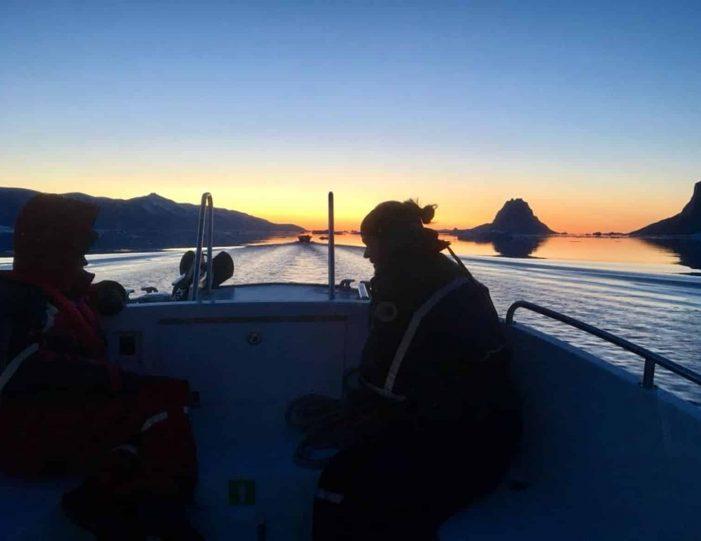 transport-to-qaarsut-uummannaq-north-greenland-Guide to Greenland4