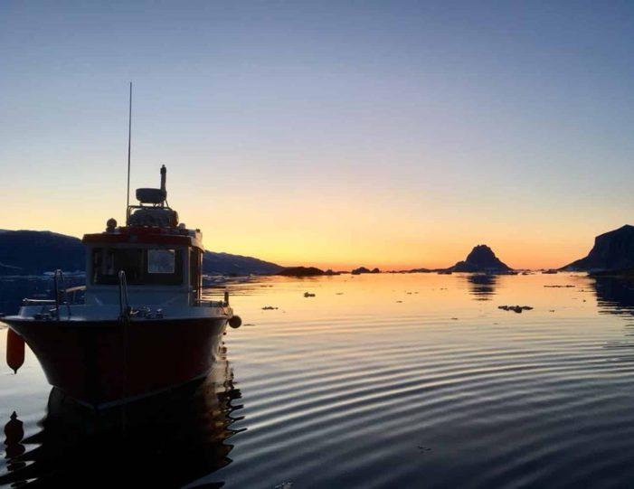 transport-to-qaarsut-uummannaq-north-greenland-Guide to Greenland6