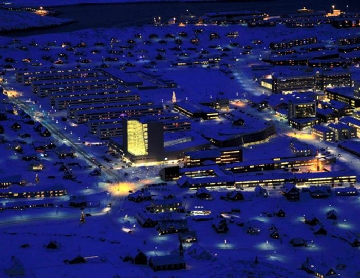 twilight-scenic-flight-nuuk-Guide to Greenland1