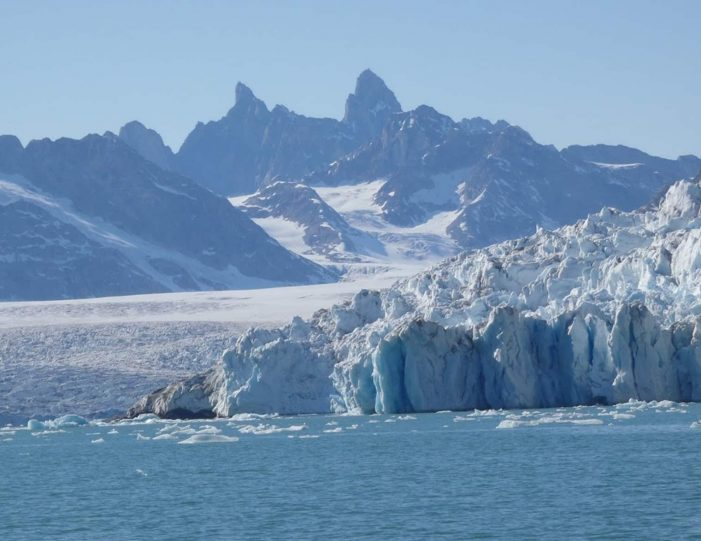 unplugged-wilderness-east-greenland-Guide to Greenland5