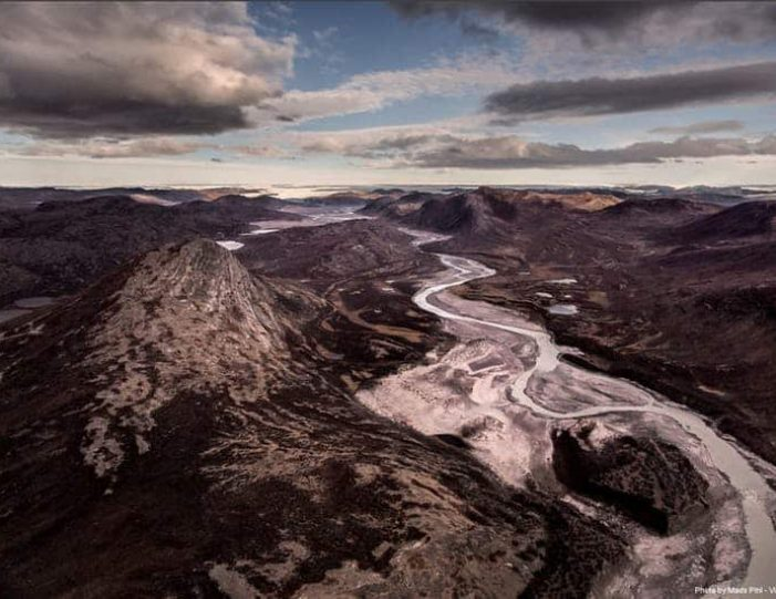 waterfall-hike-kangerlussuaq-west-greenland - Guide to Greenland15