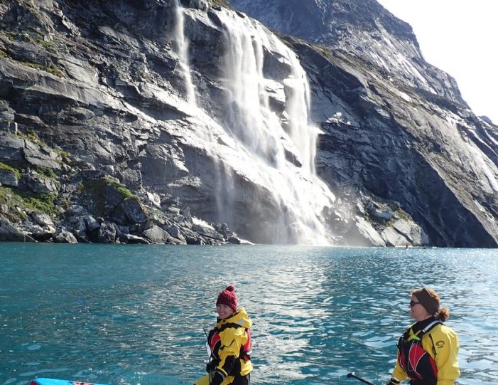 weekend-stand-up-paddleboard-with-whales-or-by-sermitsiaq-waterfall-i-nuuk-5