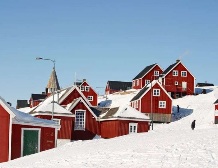 winter-in-ittoqqortoormiit-8-days-east-greenland-Guide to Greenland6