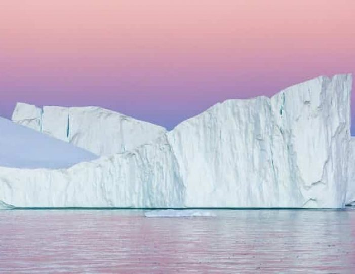 winter-in-northwest-greenland-icebergs-glaciers-inuit-day-Guide to Greenland1