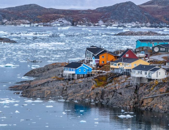 winter-in-northwest-greenland-icebergs-glaciers-inuit-day-Guide to Greenland12