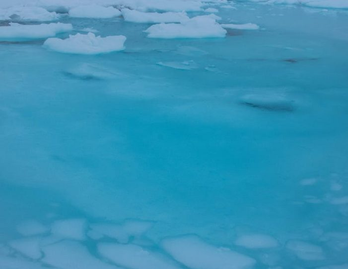 winter-in-northwest-greenland-icebergs-glaciers-inuit-day-Guide to Greenland13