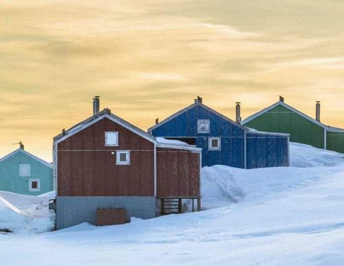 winter-in-northwest-greenland-icebergs-glaciers-inuit-day-Guide to Greenland6