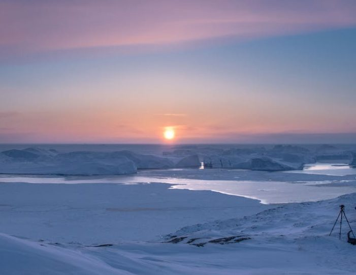 winter-in-northwest-greenland-icebergs-glaciers-inuit-day-Guide to Greenland7