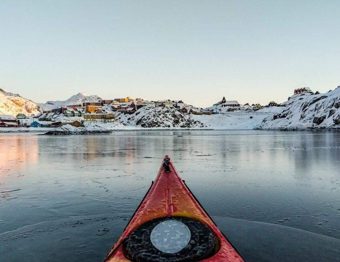 winter-kayaking-tour-sisimiut- Guide to Greenland1