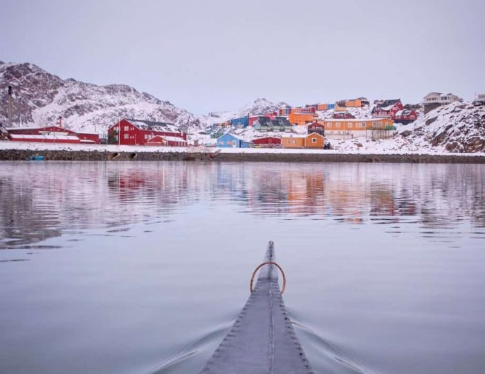 winter-kayaking-tour-sisimiut- Guide to Greenland4