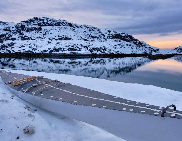 winter-kayaking-tour-sisimiut- Guide to Greenland5