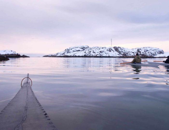 winter-kayaking-tour-sisimiut- Guide to Greenland6