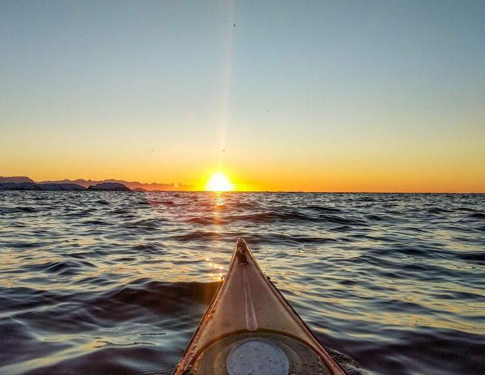 winter-kayaking-tour-sisimiut- Guide to Greenland7